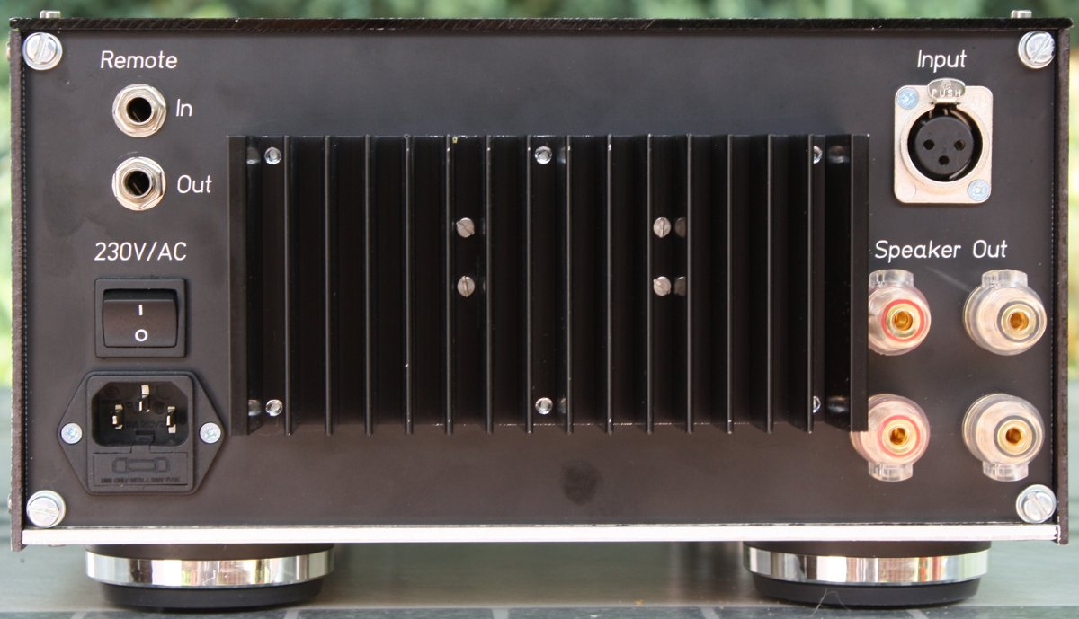 Back View of the ES3 Power Amplifier